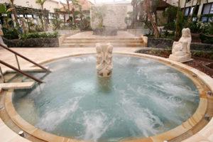 バリ風リゾート風呂